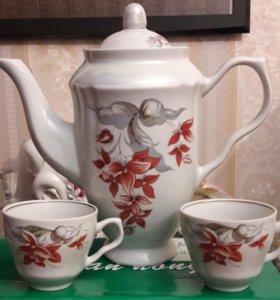 Кофейник (чайник) и чашки 2 шт.
