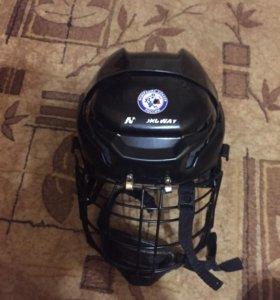 Продам хоккейный шлем и нагрудник