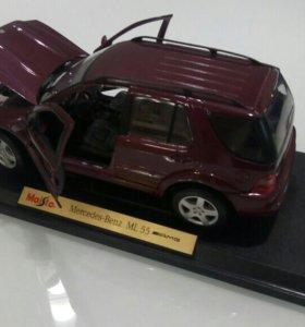 Коллекционная модель (металл) 1:18 Mercedes-BenzML