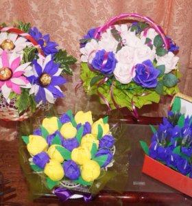 Цветы из бумаги и конфет