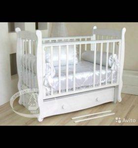 Детская кроватка и комод с пеленальным ст. Можга