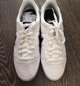 Кеды Nike новые US11,EUR45