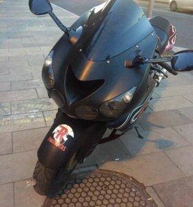 Kawasaki zzr1400