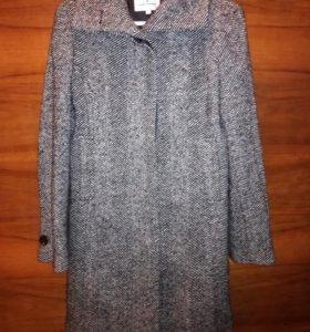 Пальто демисезонное 44-46 размер