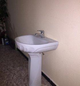 Раковина (тюльпан) с ножкой в ванную