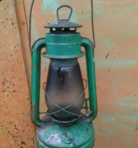 Керосиновая старинная лампа