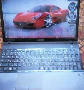 Ноутбук Samsung NP300E5X