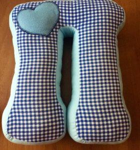 Декоративная подушка-буква П
