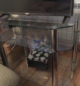 Стеклянная тумба под ТВ