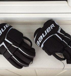 Хоккейные перчатки Bauer даром