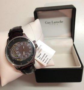Новые механические часы Guy Laroche