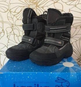 Зимние ботинки капика р.31 внутри шерсть