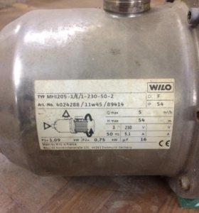 Насос WILO MHI205-1/E/1-230-50-2