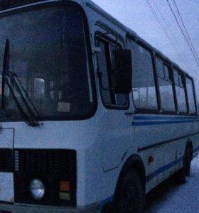 ПАЗ 320530
