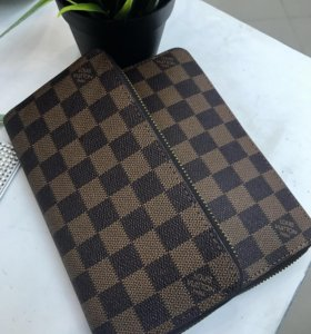Кошельки Louis Vuitton