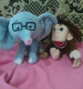 Слонёнок и обезьяна