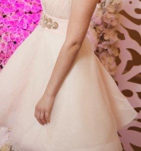 Коктейльное платье розовое