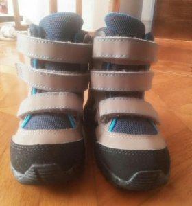 Детские ботинки адидас