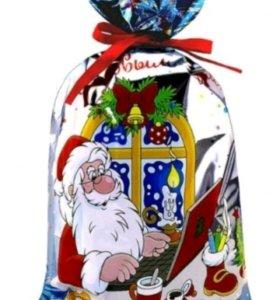Подарки новогодние очень хорошие все почти шоколад