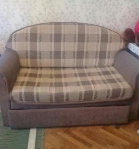 Компактный диванчик.