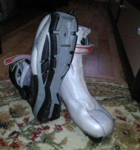 Лыжные ботинки(возможен торг)