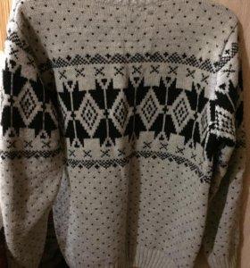 Мужской свитер S-размер