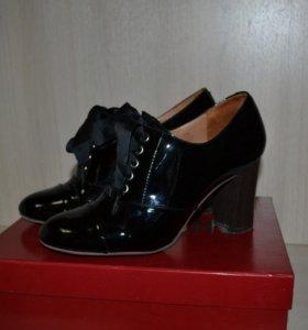Закрытые туфли MASCOTTE 37 р-р