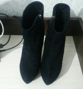 Ботинки женские 39 размер