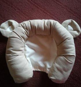 Подушка для младенцев в автокресло