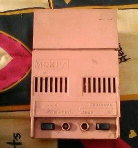 зарядное устройств для аккумуляторов(6 и 12 вольт)