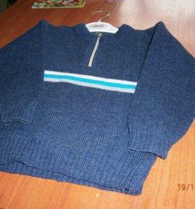 свитерок в отличном состоянии