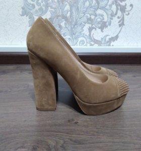 Замшевые туфли, новые