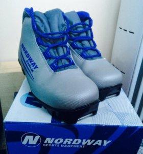 Ботинки лыжные 35р