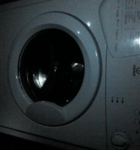 Продам стиральную машину Indesit 3,5 кг