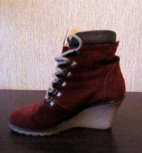 Красные замшевые ботиночки