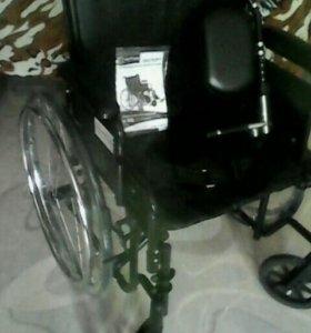 Кресло-коляска инвалидная (20-22 дюйма).