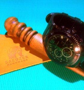Кожаный браслет для наручных часов.