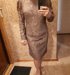 Платье кружевное 46