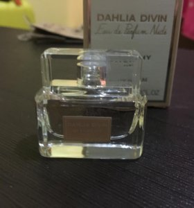 Givenchy Dahlia Divin Nude парфюм