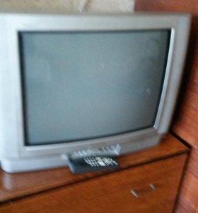3 телевизора