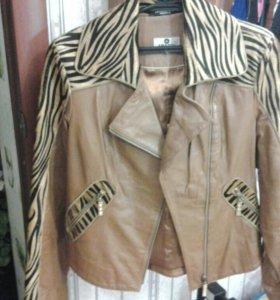 Продаю куртку кожаную.