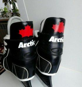Коньки детские Arctic.