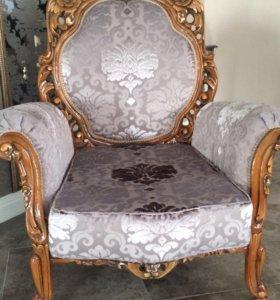 Диван и 3 кресла+2 стула