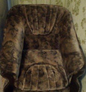 Диван, два кресла, стенка