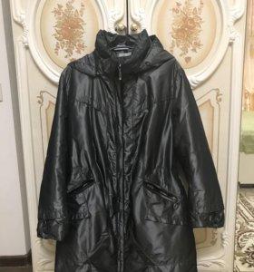 Пальто женское, размер 56, чёрного цвета,