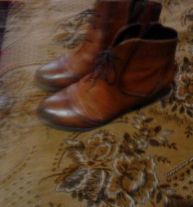 Жен. Полу ботинки, р-р39,кожа.