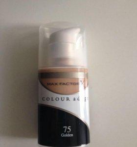 Тональные крема Max Factor Colour Adapt