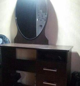 Дамский туалетный столик