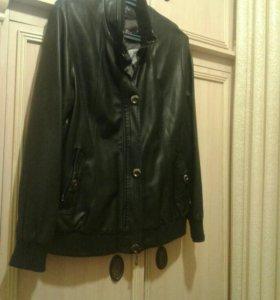 Куртка женская кожзам мягкий.