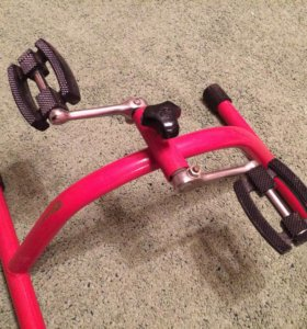 Педальный тренажёр для рук и ног